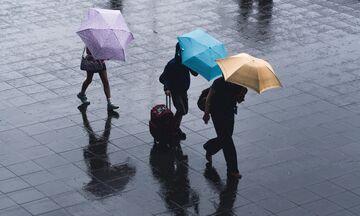 Καιρός: Τοπικές βροχές, χιονόνερο στα βόρεια και μικρή πτώση της θερμοκρασίας