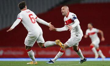 Τουρκία - Ολλανδία: Διπλό χτύπημα Γιλμάζ και 2-0! (vids)