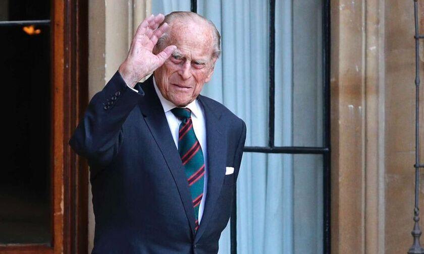 Φωτογραφικό ντοκουμέντο: Ο πρίγκιπας Φίλιππος ντυμένος τσολιάς