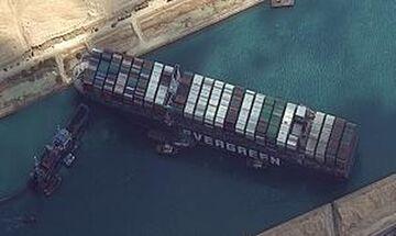 Διώρυγα του Σουέζ: Έτσι προσάραξε το τεράστιο φορτηγό πλοίο «MV Ever Given» (vids)