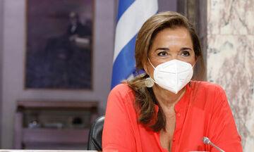 Ντόρα Μπακογιάννη: «Τίποτα και κανένας δεν θα με αποτρέψει να πάω στην Κρήτη το Πάσχα»