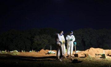 Βραζιλία: 3.769 θάνατοι σε 24 ώρες - Αδειάζουν παλιούς τάφους για τα θύματα