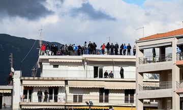 ΠΑΣ Γιάννινα - Ολυμπιακός: Επικό πανό από τους Γιαννιώτες για τον Γιαννίκη! (vid)