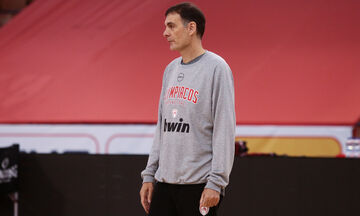 Μπαρτζώκας: «Να ολοκληρώσουμε τη χρονιά με νίκη, πολύ καλός παίκτης ο Μίκι» (vid)