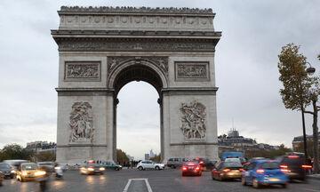 Γαλλία: Φωτογράφος «κρυφοκοιτάζει» πολυτελή διαμερίσματα, μέσα στην πανδημία