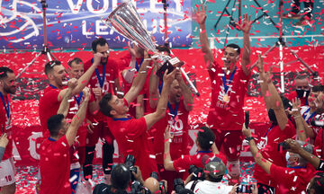 Ολυμπιακός - ΠΑΟΚ 3-0: Η απονομή στους «ερυθρόλευκους» πρωταθλητές (vids)