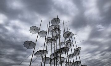 Καιρός: Μικρή πτώση της θερμοκρασίας - Πρόσκαιρες βροχές
