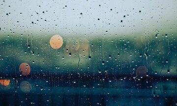 Καιρός: Τοπικές βροχές και μικρή άνοδος της θερμοκρασίας