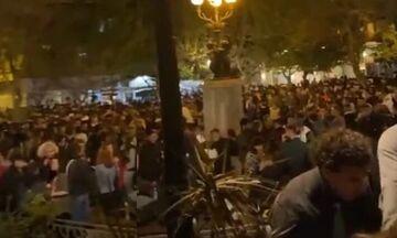 Πλατεία Αγίου Γεωργίου: Ταυτοποιήθηκε ο Dj του κορονοπάρτι στην Κυψέλη (vid)