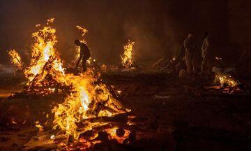 Η Ινδία ξεπερνά τους 200.000 θανάτους από κορονοϊό - Σοβαρές ελλείψεις και αυτοσχέδια κρεματόρια