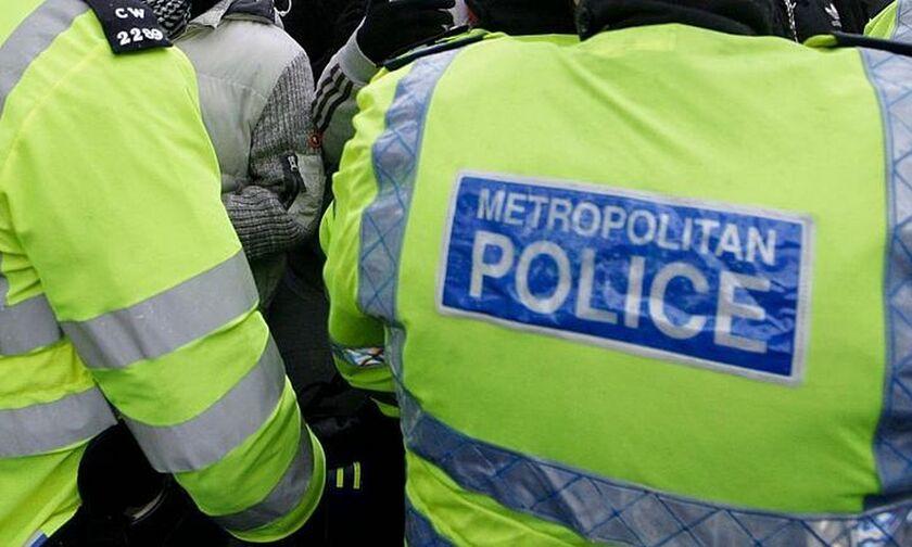 Αγγλία: Δυο αστυνομικοί στο δικαστήριο για σέλφι σε σκηνή διπλής δολοφονίας