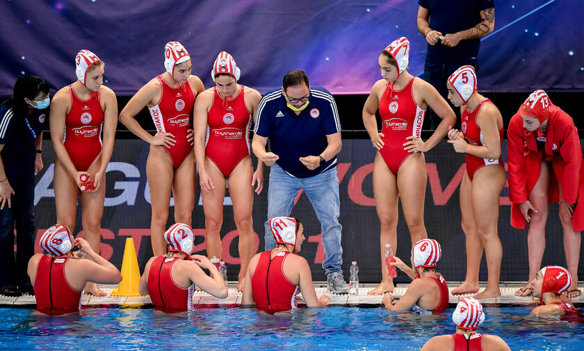 LIVE Streaming: Ολυμπιακός - Ντουναϊσβάρος (21:15)