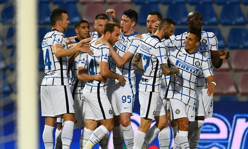 Serie A: Η Ίντερ υποβίβασε την Κροτόνε (0-2) και... περιμένει την Αταλάντα! (highlights)