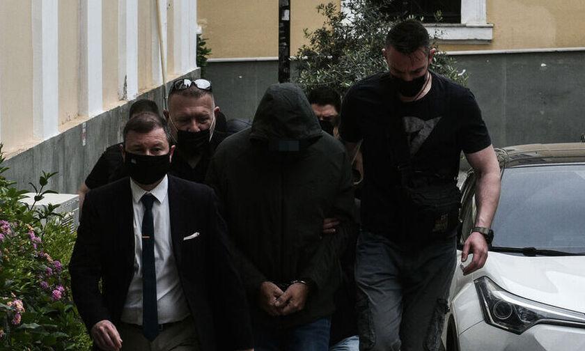 Προφυλακίστηκαν ο Μένιος Φουρθιώτης και οι συγκατηγορούμενοί του (vid)