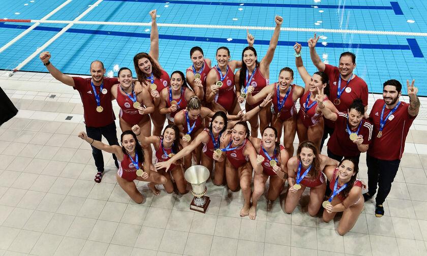 Ολυμπιακός Πρωταθλητής Ευρώπης: Η απονομή και το γλέντι των κοριτσιών (vid)