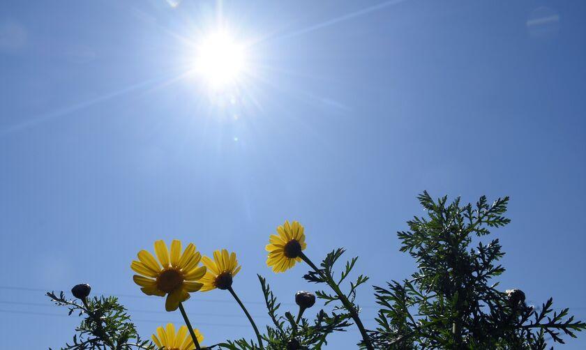Καιρός: Θερμοκρασίες-ρεκόρ την Κυριακή του Πάσχα - Η πρόγνωση για τη Δευτέρα