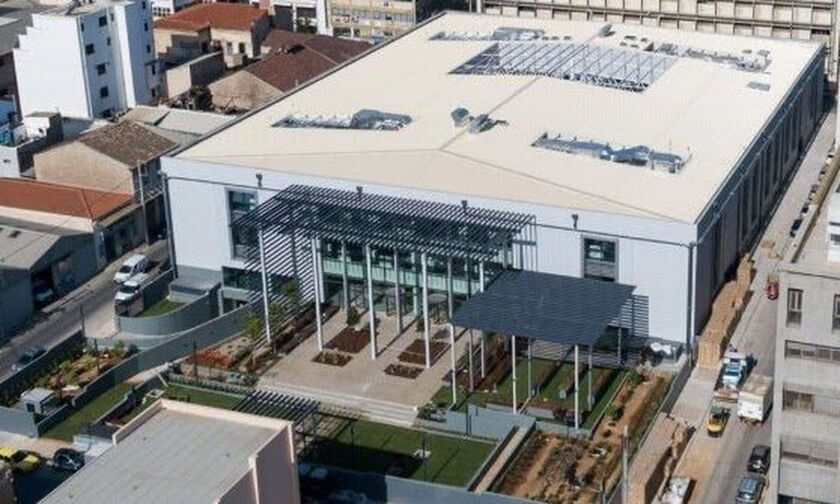 Τα εντυπωσιακά γραφεία στο πρώην εργοστάσιο της Παπαστράτος στον Πειραιά (pic, vids)