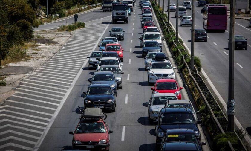 Αυτοκίνητο: Ήρθαν τα τέλη κυκλοφορίας με τον μήνα
