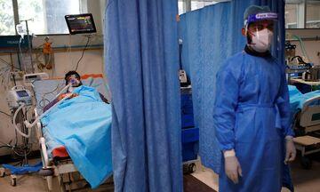 Ινδία: Νέο ρεκόρ με περισσότερους από 4.000 θανάτους σε ένα 24ωρο