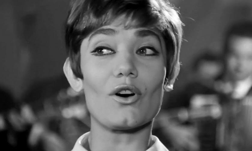 Ζαμπέτας κομμένος στα δύο... Μαρινέλλα vs Ελένη Προκοπίου. Ένα τραγούδι σε δύο ταινίες...
