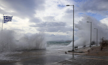 Καιρός: Θυελλώδεις άνεμοι στο Αιγαίο