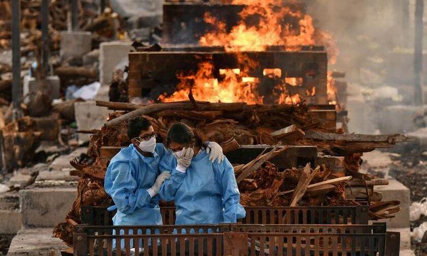 Ινδία: Η μαύρη αγορά καλπάζει λόγω του κορονοϊού - Ελλείψεις σε ξυλεία και υπέρογκες χρεώσεις