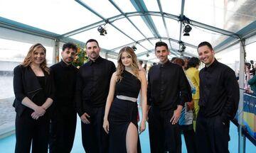 Eurovision 2021: Stefania και Έλενα Τσαγκρινού έλαμψαν στην τελετή έναρξης (pics, vid)