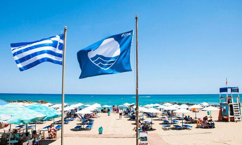 Γαλάζιες σημαίες 2021: Oι 545 παραλίες της Ελλάδας - Η Περιφέρεια με τις 96 σημαίες, 15 στην Αττική