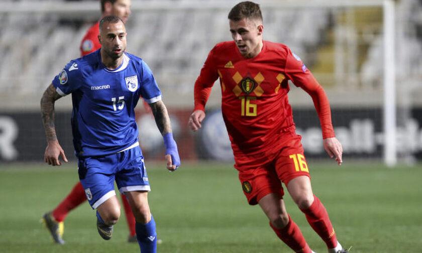 Βέλγιο - Ελλάδα: Το γκολ του Αζάρ για το 1-0 (vid)