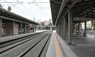 Αναβάθμιση των υπηρεσιών προς τους επιβάτες  στα τρένα και στους σιδηροδρομικούς σταθμούς