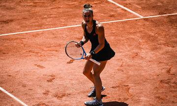Σάκκαρη: Η «γαλανόλευκη» αφιέρωση στην κάμερα του Roland Garros (vid)