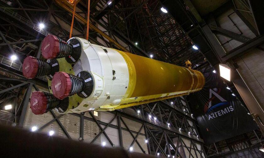 NASA: Συναρμολογήθηκε ο γιγάντιος πύραυλος SLS!