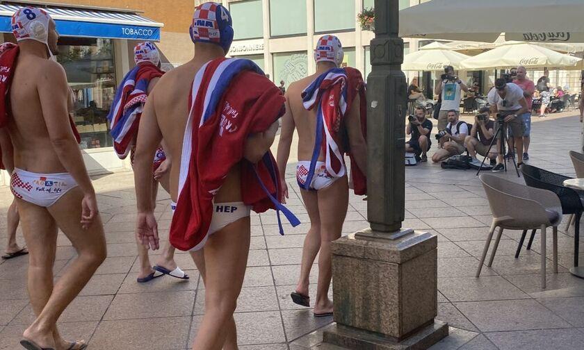 Οι Μπούσλιε, Μπίγιατς του Ολυμπιακού σε ρόλο μοντέλων (pics, vid)!