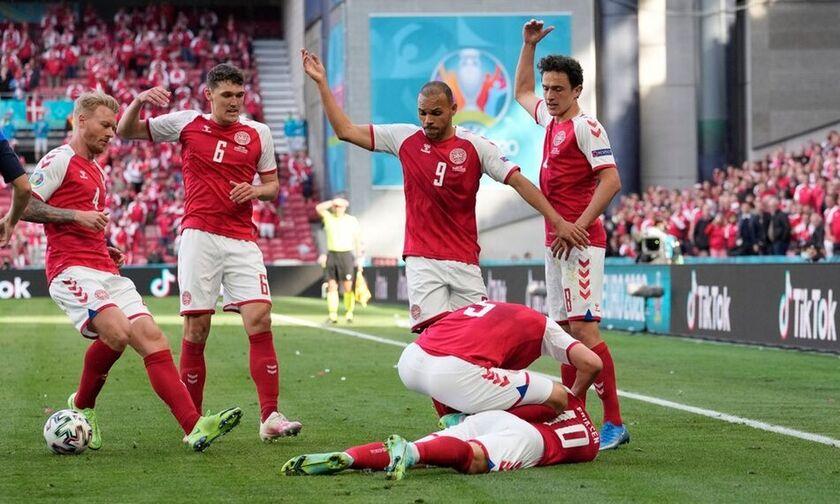 Όλοι όρθιοι στο 10ο λεπτό του Δανία - Βέλγιο για τον Έρικσεν!