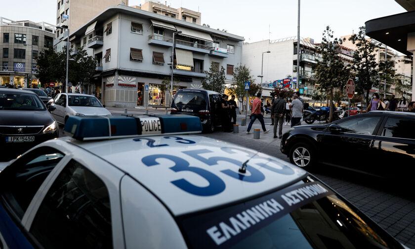 Σειρά επιθέσεων με βαριοπούλες σε έξι σούπερ μάρκετ της Αττικής
