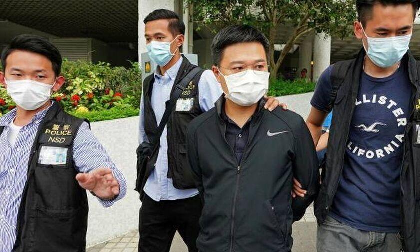 Χονγκ Κονγκ: Έφοδος της αστυνομίας σε εφημερίδα - Πέντε συλλήψεις