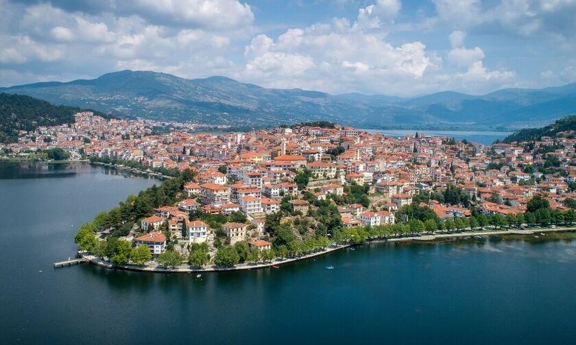 Καστοριά: Αλλάζει πρόσωπο και ετοιμάζεται να υποδεχθεί περισσότερους επισκέπτες