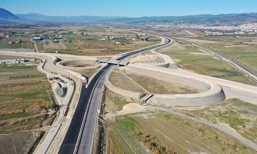Αυτοκινητόδρομος Ε65: Υπογραφές για το βόρειο τμήμα - Πόσο μειώνονται οι αποστάσεις Aθήνας-Εγνατίας