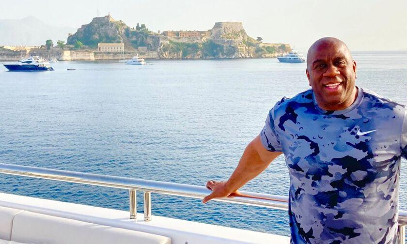 Μάτζικ Τζόνσον: Διακοπές στην Ελλάδα - Με το σκάφος του στην Κέρκυρα (vid-pics)