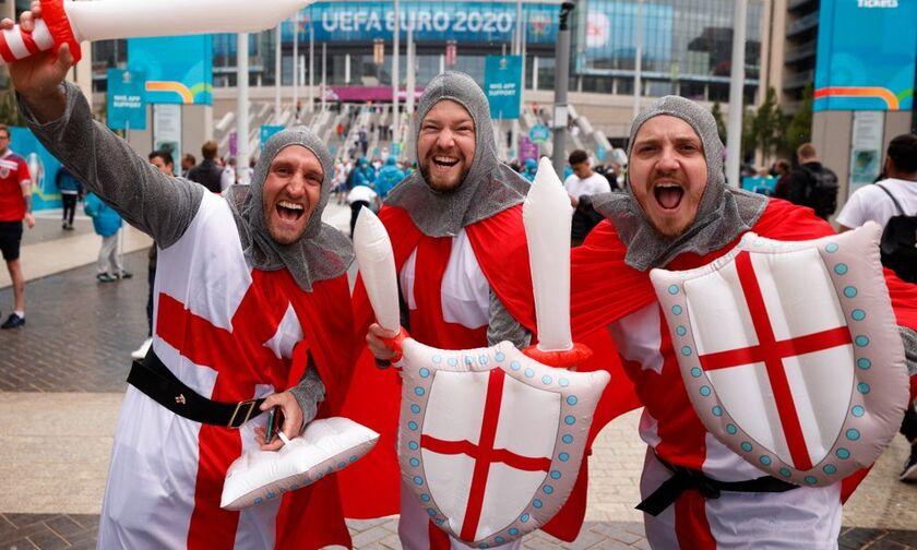Δείτε τι κάνουν οι Άγγλοι έξω από το Wembley (vid)