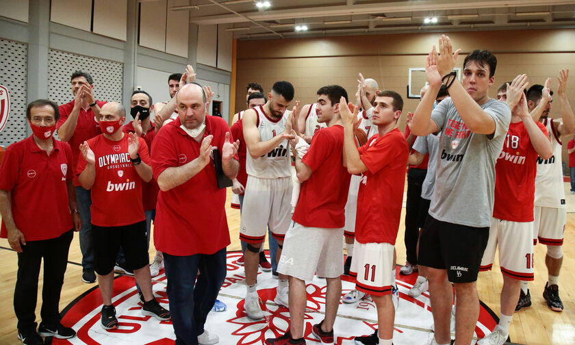 Ολυμπιακός Β': Νικολαΐδης: «Είναι απόφαση της διοίκησης αν θα παίξει η ομάδα στην Α1» (vids)
