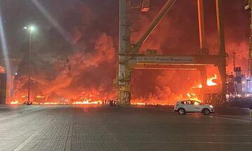 Ντουμπάι: Τεράστια έκρηξη σε πλοίο στο λιμάνι Jebel Ali - Δείτε βίντεο