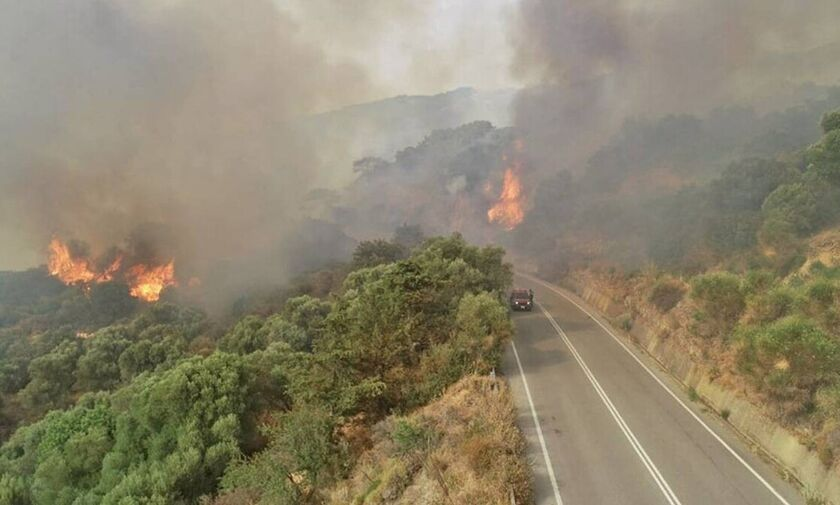 Πανόραμα Βούλας: Πυρκαγιά στην περιοχή
