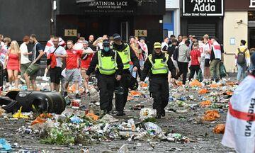 Euro 2020: Τα έκαναν «γυαλιά-καρφιά» οι Άγγλοι φίλαθλοι στο Λονδίνο (vid)