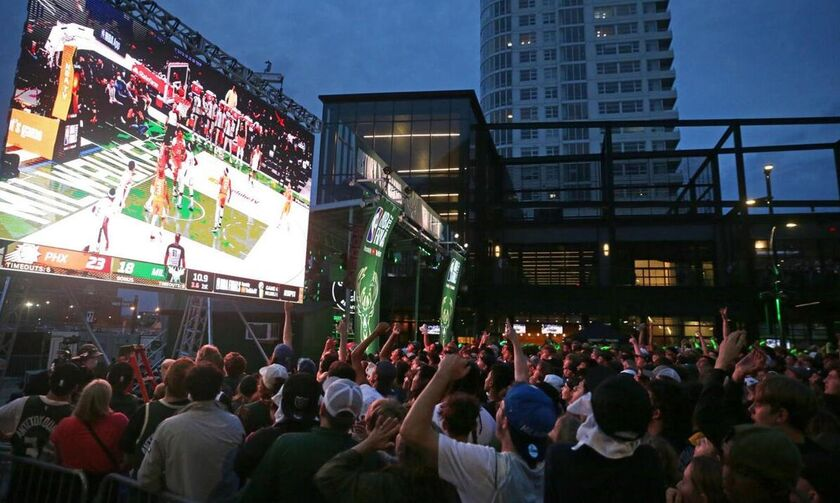 NBA Finals: Με 65.000 κόσμο στην Deer District οι Μπακς στο Game 6