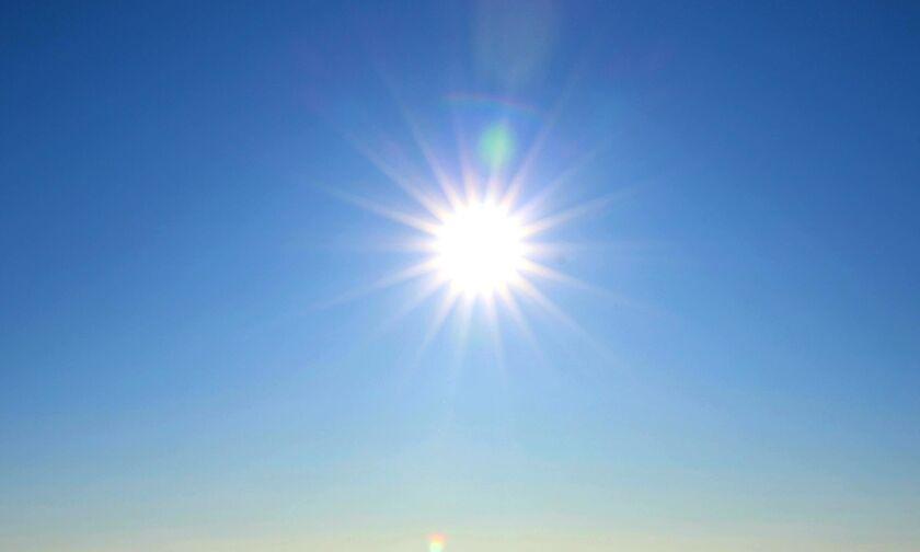 Καιρός: Αίθριος με ισχυρούς ανέμους και μικρή πτώση της θερμοκρασίας