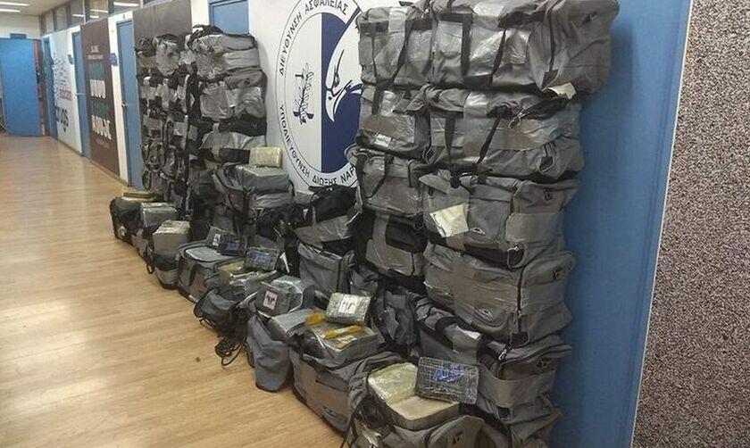 Βρέθηκαν 351 κιλά κοκαΐνης στο λιμάνι του Πειραιά