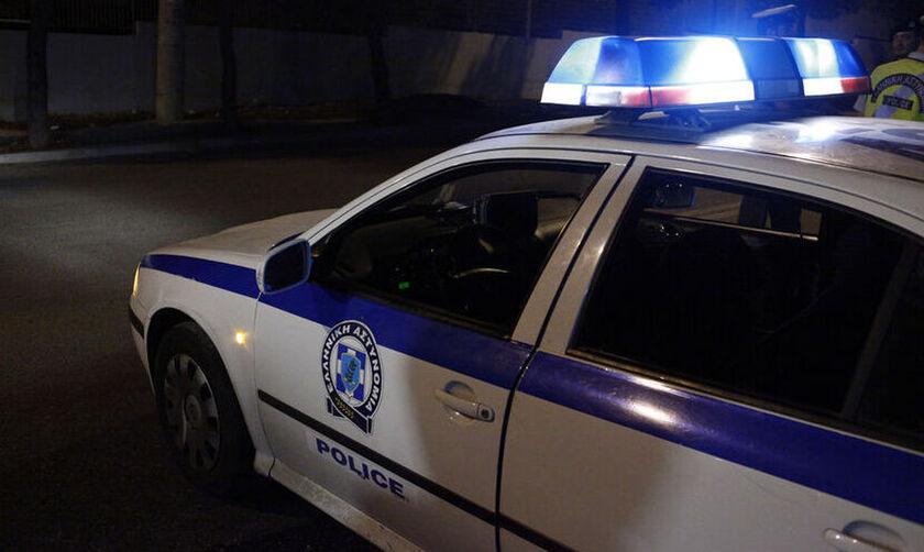 Καβάλα: Μοτοσυκλέτα διεμβολίστηκε από αυτοκίνητο και έπεσε πάνω σε πεζούς