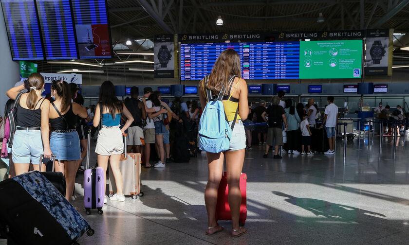 ΥΠΑ: Οι επιβάτες 12-17 ετών θα μπορούν να ταξιδεύουν και με self test στα νησιά