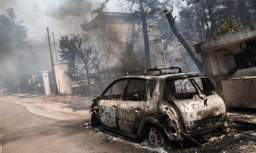Φωτιά - Σταμάτα: Σπίτια στις φλόγες - Οι πρώτες εικόνες (vid - pics)